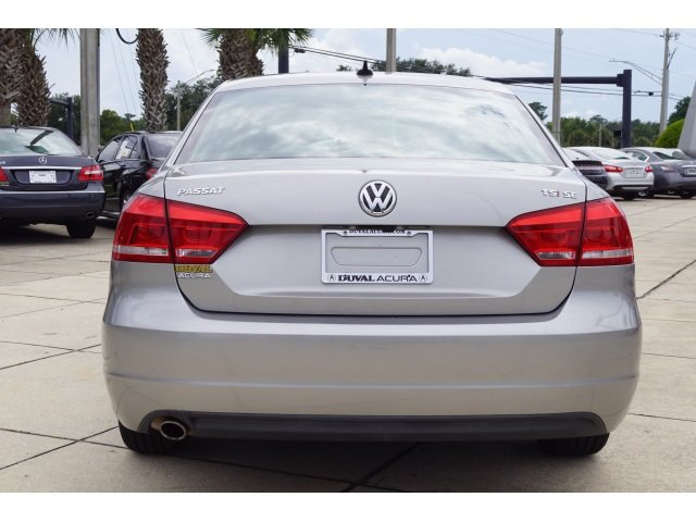 2014 Volkswagen Passat SE 1.8L 4-Cylinder DOHC Engine Automatic Sedan 4 Door FWD