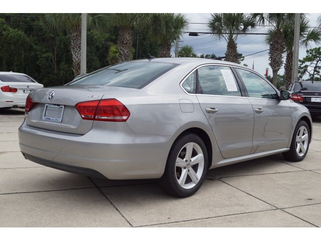 2014 Volkswagen Passat SE 4 Door Automatic Sedan 1.8L 4-Cylinder DOHC Engine