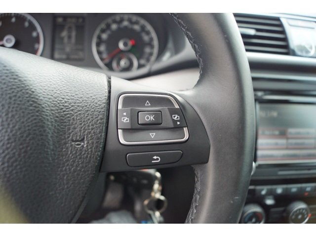 2014 Volkswagen Passat SE Automatic 4 Door 1.8L 4-Cylinder DOHC Engine Sedan