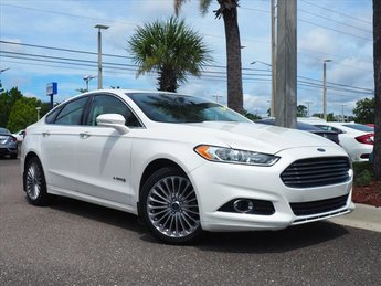 2014 White Platinum Tri-Coat Metallic Ford Fusion Hybrid Titanium Hybrid Sedan FWD 2.0L I4 Atkinson-Cycle Hybrid Engine