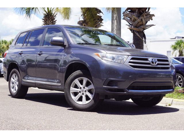 2013 Toyota Highlander Plus FWD Automatic SUV