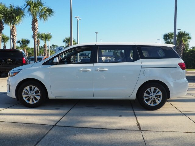 2016 Clear White Kia Sedona L 3.3L V6 DGI Engine 4 Door Automatic FWD