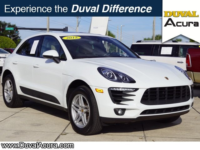 2017 White Porsche Macan Base SUV AWD 4 Door 2.0L I4 Engine Automatic