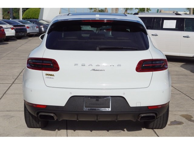 2017 Porsche Macan Base Automatic 2.0L I4 Engine 4 Door SUV AWD