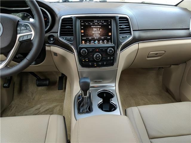2017 Walnut Brown Metallic Clearcoat Jeep Grand Cherokee Overland Regular Unleaded V-8 5.7 L/345 Engine Automatic 4X4