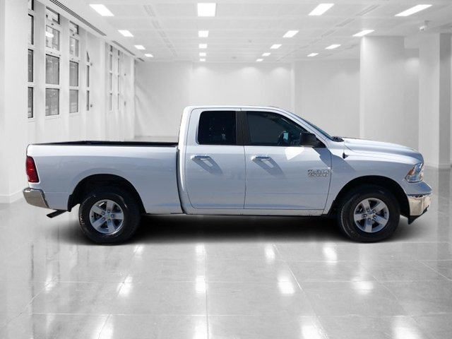 2017 Bright White Clearcoat Ram 1500 SLT Truck Regular Unleaded V-6 3.6 L/220 Engine 4 Door 4X4 Automatic