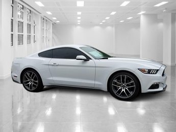 2016 Oxford White Ford Mustang EcoBoost Premium Coupe Intercooled Turbo Premium Unleaded I-4 2.3 L/140 Engine RWD