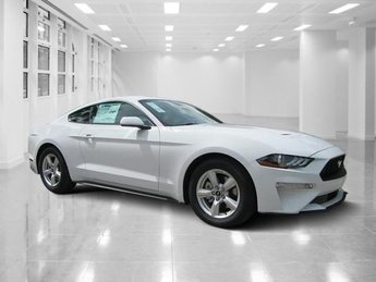 2019 Oxford White Ford Mustang EcoBoost RWD Coupe Intercooled Turbo Premium Unleaded I-4 2.3 L/140 Engine 2 Door