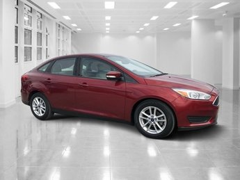 2016 Ruby Red Metallic Tinted Clearcoat Ford Focus SE 4 Door FWD Regular Unleaded I-4 2.0 L/122 Engine