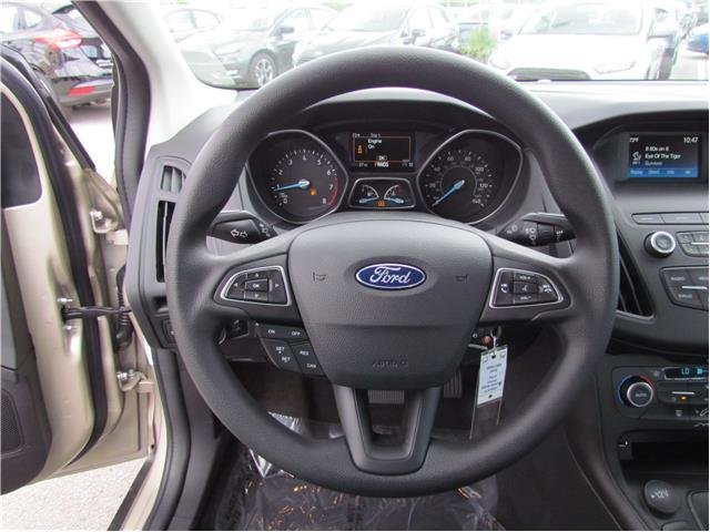 2018 Ford Focus SE Sedan Intercooled Turbo Regular Unleaded I-3 1.0 L/61 Engine Automatic FWD
