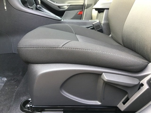 2018 White Gold Metallic Ford Focus SEL 4 Door I4 Engine FWD