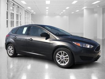 2018 Magnetic Metallic Ford Focus SE Hatchback FWD 4 Door Regular Unleaded I-4 2.0 L/122 Engine