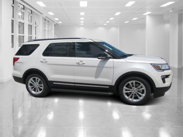 2018 White Platinum Metallic Tri-Coat Ford Explorer XLT Regular Unleaded V-6 3.5 L/213 Engine FWD SUV Automatic 4 Door