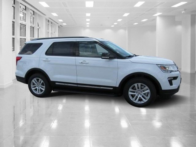 2018 Oxford White Ford Explorer XLT FWD SUV Automatic