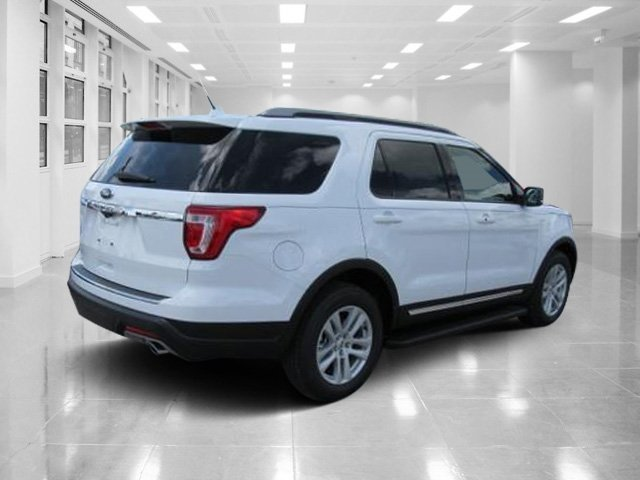 2018 Oxford White Ford Explorer XLT 4 Door SUV Automatic FWD