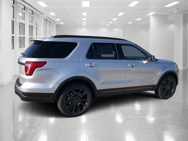 2019 Ingot Silver Metallic Ford Explorer XLT FWD Regular Unleaded V-6 3.5 L/213 Engine SUV Automatic 4 Door