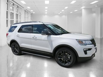 2018 White Metallic Ford Explorer XLT SUV 4 Door FWD Regular Unleaded V-6 3.5 L/213 Engine Automatic