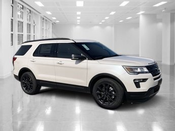 2019 White Platinum Metallic Tri-Coat Ford Explorer XLT 4 Door FWD Regular Unleaded V-6 3.5 L/213 Engine SUV Automatic