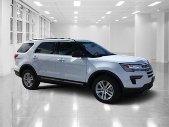 2019 Oxford White Ford Explorer XLT AWD Automatic 4 Door Regular Unleaded V-6 3.5 L/213 Engine
