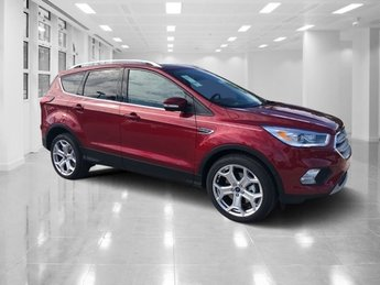 2019 Ruby Red Metallic Tinted Clearcoat Ford Escape Titanium FWD 4 Door Intercooled Turbo Premium Unleaded I-4 2.0 L/122 Engine