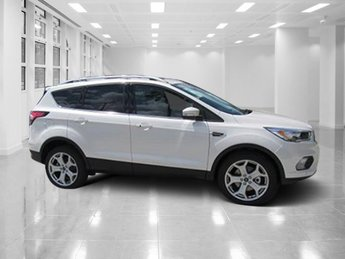 2018 White Platinum Clearcoat Metallic Ford Escape Titanium 4X4 Intercooled Turbo Premium Unleaded I-4 2.0 L/121 Engine Automatic SUV