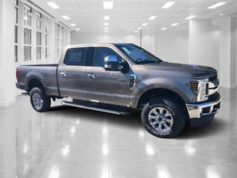 2019 Stone Gray Metallic Ford Super Duty F-250 SRW XLT 4 Door Truck Intercooled Turbo Diesel V-8 6.7 L/406 Engine