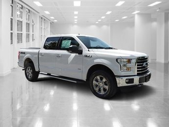 2015 Oxford White Ford F-150 XLT Twin Turbo Regular Unleaded V-6 3.5 L/213 Engine 4 Door 4X4 Truck