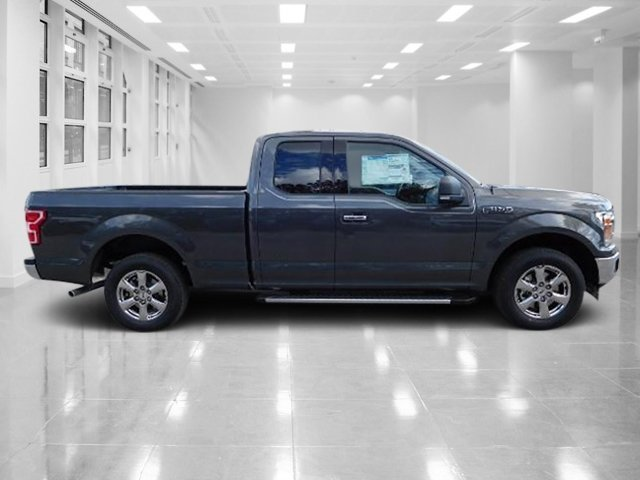 2018 Magnetic Metallic Ford F-150 XLT RWD Regular Unleaded V-6 3.3 L Engine 4 Door
