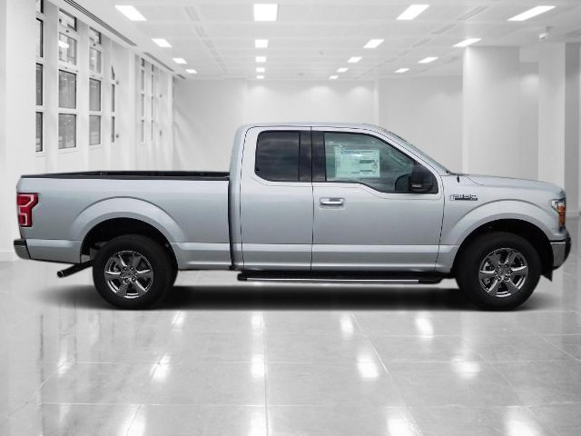 2018 Ingot Silver Metallic Ford F-150 XLT 4 Door RWD 3.3L V6 Ti-VCT 24V Engine Automatic Truck