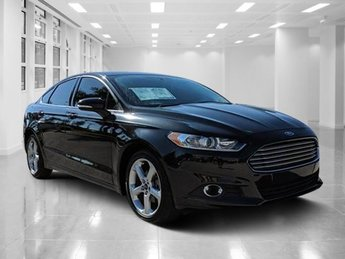 2015 Ford Fusion SE Sedan Intercooled Turbo Regular Unleaded I-4 2.0 L/122 Engine FWD Automatic 4 Door