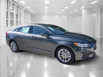 2019 Magnetic Metallic Ford Fusion SE Intercooled Turbo Regular Unleaded I-4 1.5 L/91 Engine 4 Door Automatic FWD