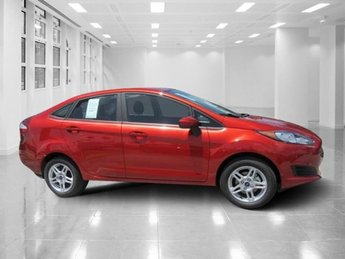 2018 Chili Pepper Red Ford Fiesta SE Sedan 4 Door Regular Unleaded I-4 1.6 L/97 Engine
