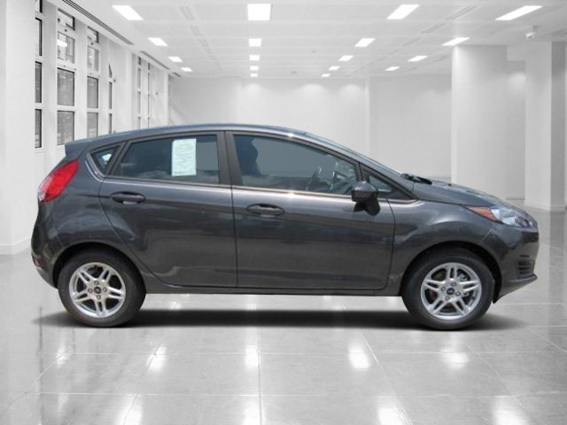 2018 Magnetic Metallic Ford Fiesta SE Manual Hatchback 4 Door