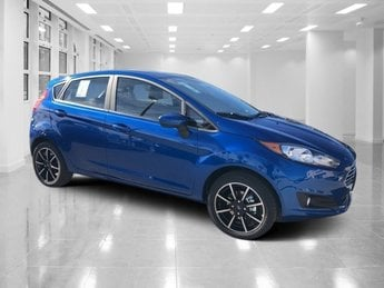 2019 Lightning Blue Metallic Ford Fiesta SE Automatic Regular Unleaded I-4 1.6 L/97 Engine FWD Hatchback 4 Door
