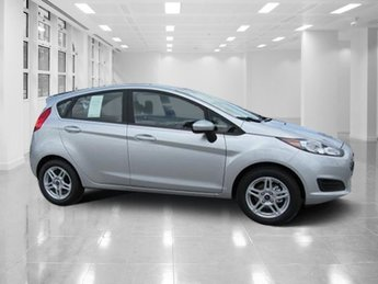 2018 Ingot Silver Metallic Ford Fiesta SE Hatchback Regular Unleaded I-4 1.6 L/97 Engine FWD Manual 4 Door