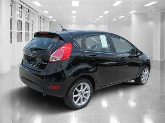 2018 Shadow Black Ford Fiesta SE Automatic Hatchback Regular Unleaded I-4 1.6 L/97 Engine FWD