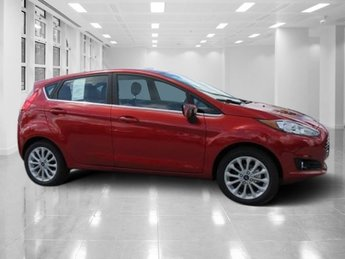 2018 Hot Pepper Red Metallic Tinted Clearcoat Ford Fiesta Titanium FWD 4 Door Regular Unleaded I-4 1.6 L/97 Engine Hatchback Automatic