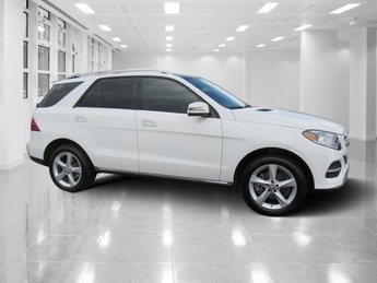 2016 White Mercedes-Benz GLE GLE 350 4 Door RWD Premium Unleaded V-6 3.5 L/213 Engine SUV