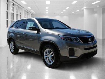 2014 Kia Sorento LX 4 Door Regular Unleaded I-4 2.4 L/144 Engine Automatic
