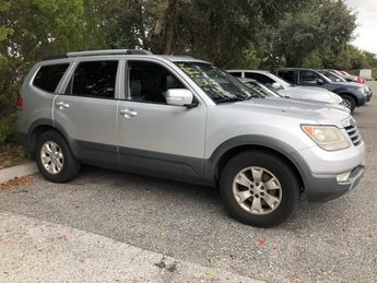 2009 Silver Kia Borrego EX 4 Door Gas V6 3.8L/231 Engine RWD SUV