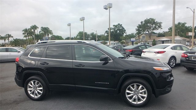 2017 Jeep Cherokee Limited 2.4L 4-Cylinder SMPI SOHC Engine Automatic SUV 4X4