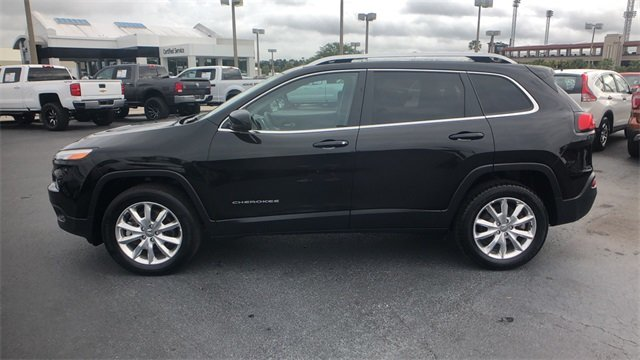 2017 Diamond Black Crystal Pearlcoat Jeep Cherokee Limited 2.4L 4-Cylinder SMPI SOHC Engine 4X4 Automatic