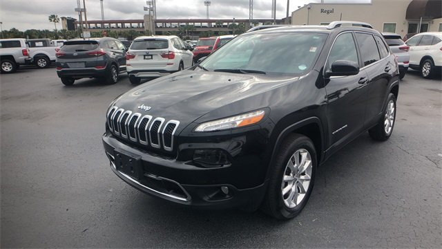 2017 Diamond Black Crystal Pearlcoat Jeep Cherokee Limited 4X4 4 Door Automatic 2.4L 4-Cylinder SMPI SOHC Engine