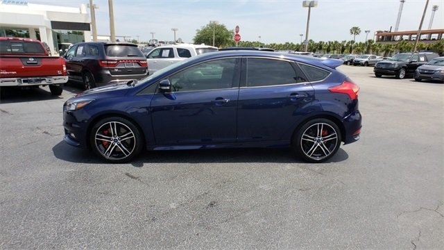 2017 Kona Blue Metallic Ford Focus ST 2.0L GTDi Engine 4 Door Manual FWD Hatchback