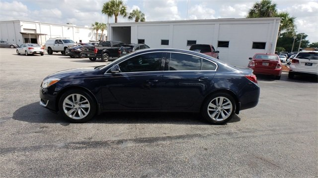 2015 Dark Sapphire Blue Metallic Buick Regal Turbo 4 Door FWD 2.0L 4-Cylinder DGI DOHC VVT Turbocharged Engine Automatic