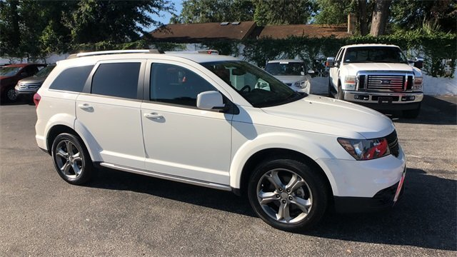 2016 White Dodge Journey Crossroad Plus SUV 2.4L I4 DOHC 16V Dual VVT Engine FWD Automatic 4 Door