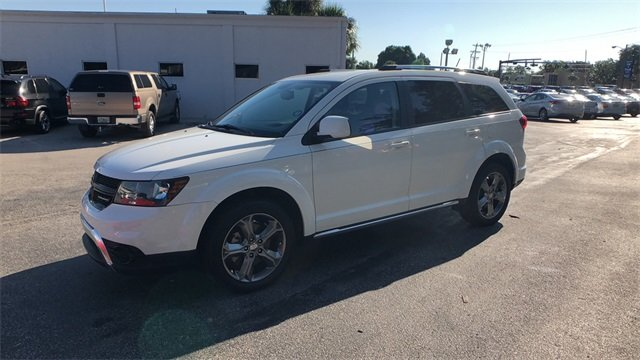 2016 White Dodge Journey Crossroad Plus 2.4L I4 DOHC 16V Dual VVT Engine Automatic 4 Door FWD SUV