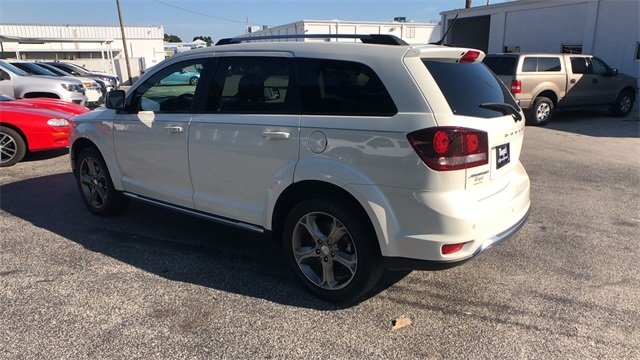 2016 White Dodge Journey Crossroad Plus FWD 4 Door 2.4L I4 DOHC 16V Dual VVT Engine SUV