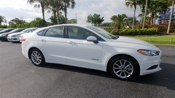 2017 White Ford Fusion Hybrid Hybrid SE 4 Door Automatic (CVT) I4 Hybrid Engine Sedan