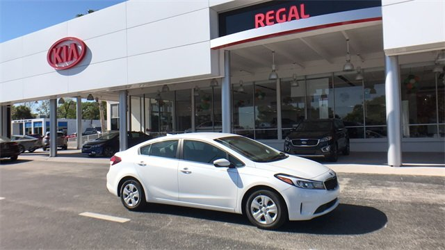 2018 Snow White Pearl Kia Forte LX Sedan FWD Automatic 4 Door 2.0L 4-Cylinder Engine